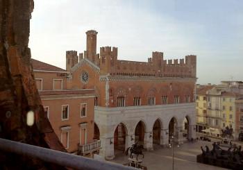 """""""San Francesco dall'alto. Con lo sguardo verso il cielo"""