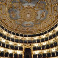Interno del teatro - foto Mauro Del Papa