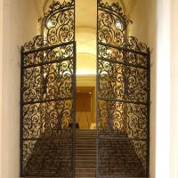 Cancello in ferro battuto - foto Musei Civici Palazzo Farnese