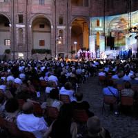 Uno spettacolo teatrale - foto Mauro Del Papa