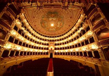 Piacenza città di teatri