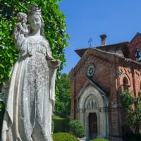 Oratorio della Madonna di tutte le Grazie e statua della Vergine con Bambino