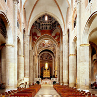 Duomo di Piacenza, navata