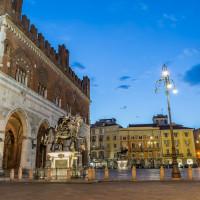 Piazza Cavalli ©Alessandro Mascheroni123RF.COM
