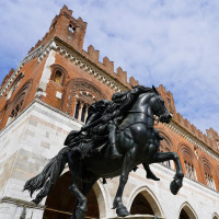 La statua equestre di Alessandro Farnese opera dell'artista Mochi da Montevarchi