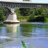 Il Po che lambisce il ponte
